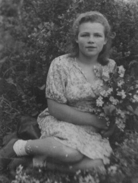 фото Катерины в юности - 3.JPG